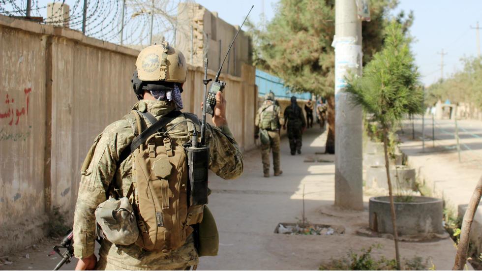 Afghanistan: les interprètes des forces internationales appelés à rester dans le pays