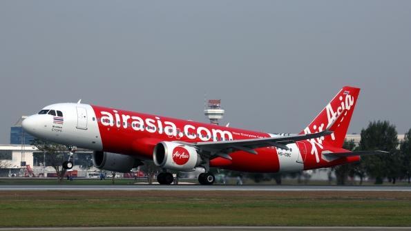 Vietnam : un avion effectue un atterrissage d'urgence après l'explosion d'une batterie de téléphone