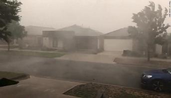 أستراليا.. عواصف رعدية تجتاح الساحل الشرقي الذي دمرته حرائق الغابات