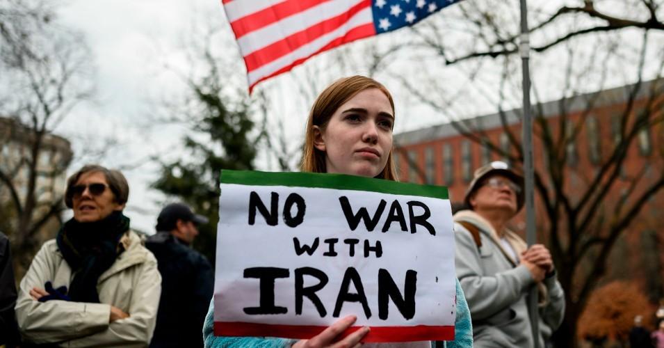 مجلس الشيوخ يصوّت لصالح الحد من قدرة ترامب على التحرك عسكريا ضد إيران