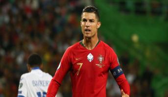 رونالدو وزملاؤه في المنتخب يدعمون ماليا كرة القدم للهواة في البرتغال