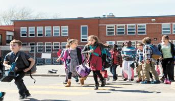 بعد شهر من الإغلاق بسبب كورونا...مدارس الدنمارك تبدأ فتح أبوابها مجددا