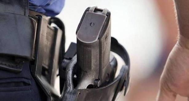 طنجة .. مفتش شرطة يضطر لاستعمال سلاحه الوظيفي لتوقيف شخص عرض سلامة المواطنين وعناصر الشرطة لاعتداء خطير