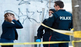 اتهامات قضائية لرجلين هددا جمعا بالمنشار الكهربائي عند شاطئ كندي