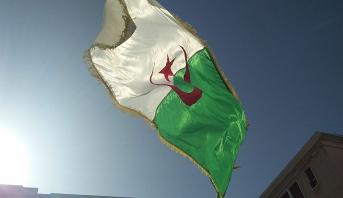 """القضاء الجزائري يحكم على شرطي سابق من رموز """"الحراك"""" بالسجن عامين"""