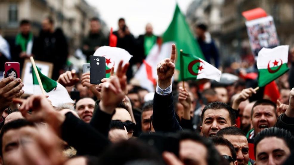 مظاهرة حاشدة بشرق الجزائر للتنديد بتدهور الأوضاع الاجتماعية