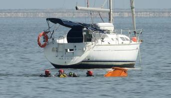إسبانيا .. قتيلان في حادث تحطم طائرة عسكرية تابعة للقوات الجوية في البحر