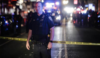 الاحتجاجات في نيويورك .. تعرض ضابط شرطة للطعن وإصابة اثنين آخرين بأعيرة نارية