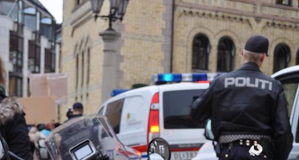إصابة شخص واعتقال آخر إثر اطلاق نار داخل مسجد في النرويج