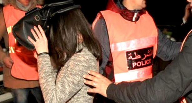 توقيف عصابة مكونة من 11 شخصا بسبب الابتزاز الجنسي والسرقة