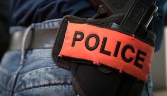 بني ملال .. ضابط أمن يضطر لإشهار سلاحه الوظيفي لتوقيف أربعيني