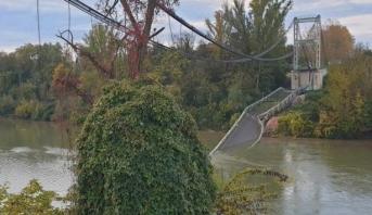 France : un pont s'effondre au nord de Toulouse