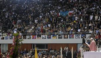 Rabat: le Pape François préside une cérémonie religieuse au complexe sportif Prince Moulay Abdellah