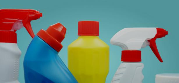 Coronavirus: le mélange eau de javel-vinaigre vivement déconseillé