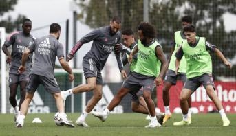 """ريال مدريد يدخل المنافسة في """"الليغا"""" بانتظار برشلونة وأتلتيكو وإشبيلية"""