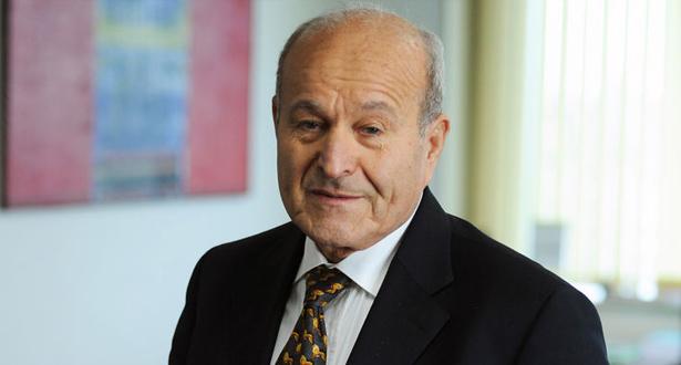 الجزائر توقف خمسة رجال أعمال كبار بينهم أغنى رجل في البلاد