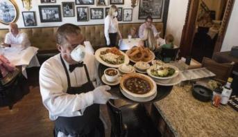 لمواجهة تداعيات كورونا .. ألمانيا تخفض ضرائب القيمة المضافة على المطاعم