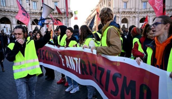الآلاف يتظاهرون في روما احتجاجا على قانون مكافحة الهجرة الجديد