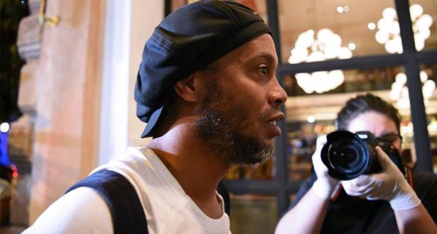 إطلاق سراح رونالدينيو بعد 5 اشهر على اعتقاله في الباراغواي