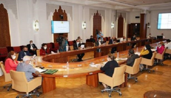 آيت الطالب: إبرام 247 صفقة مع أزيد من 98 شركة بتكلفة إجمالية تناهز 1.9 مليار درهم