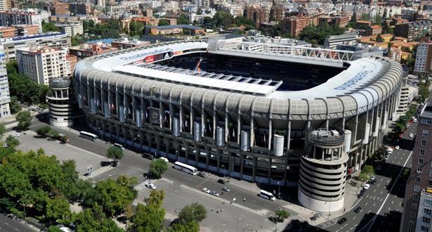 ريال مدريد يحقق زيادة في إيراداته ويقترض لتطوير سانتياغو برنابيو