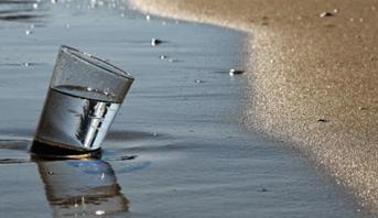 علماء يطورون تقنية مبتكرة لتحلية مياه البحر
