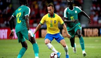 """السنغال ترغم البرازيل على التعادل في """"مئوية"""" نيمار"""