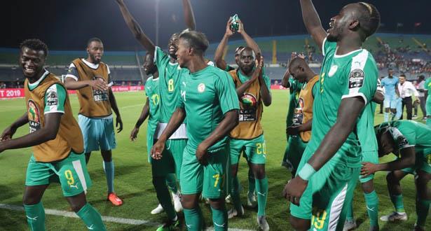 """تشكيلة المنتخب السنغالي في نهائي """"الكان"""""""