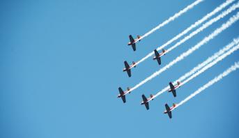 القوات الملكية الجوية تنظم استعراضا باهرا في أجواء المضيق- الفنيدق بمناسبة عيد العرش