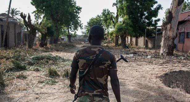 مقتل 17 جنديا على الأقل في هجوم على قاعدة عسكرية شمال شرق نيجيريا