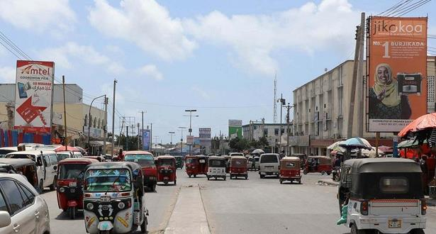 الولايات المتحدة تعيد فتح بعثتها الدبلوماسية في الصومال بعد 28 سنة من الغياب