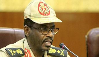 """المجلس العسكري الانتقالي السوداني يصدر مرسوما يمنع تهريب """"الأموال المشبوهة"""""""