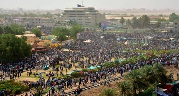 """الاتحاد الأوروبي يطالب الجيش السوداني بنقل السلطة """"سريعا """" إلى المدنيين"""