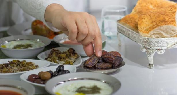 منظمة الصحة العالمية تقدم نصائح لسحور مثالي في رمضان