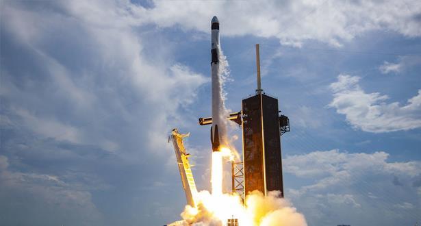 SpaceX lancera samedi quatre astronautes vers l'ISS