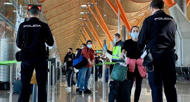 المسافرون القادمون إلى إسبانيا سيخضعون لقياس درجة الحرارة وملئ استمارة صحية