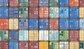 """الشركات البريطانية تكدّس البضائع استباقًا لـ""""بريكست"""""""