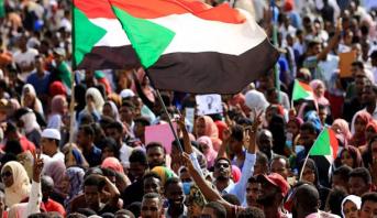 السودان... المجلس العسكري وقوى إعلان الحرية والتغيير يوقعان على وثائق الفترة الانتقالية