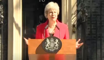 رئيسة الوزراء البريطانية تيريزا ماي تقدم استقالتها