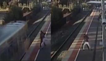 خطوة بين الموت والحياة .. مراهق يحاول رمي صديقته أمام القطار