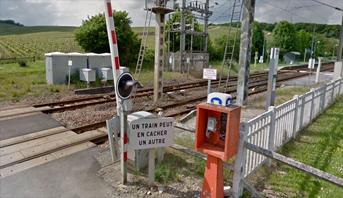 مصرع أربعة أشخاص في تصادم قطار بسيارة شرق فرنسا