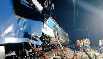 التشيك.. ضحايا في حادث اصطدام قطارين