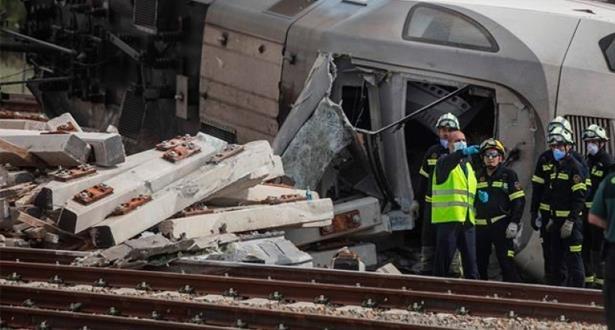مصرع شخصين وإصابة سبعة آخرين بجروح جراء حادث تصادم بين قطار وسيارة بإسبانيا