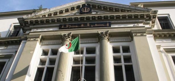 De lourdes peines de prison à l'encontre de nombreux anciens hauts responsables algériens