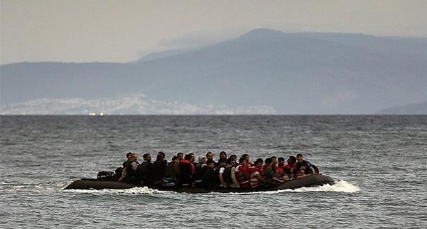إيقاف 52 مهاجرا سريا في عرض السواحل التونسية