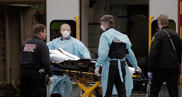 فيروس كورونا .. عدد الوفيات في أمريكا يتخطى عتبة الألفي حالة