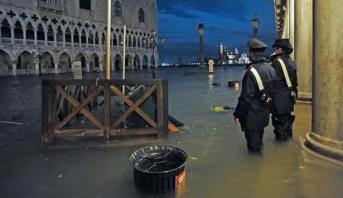 مصرع شخصين في جنوب إيطاليا بسبب سوء الأحوال الجوية