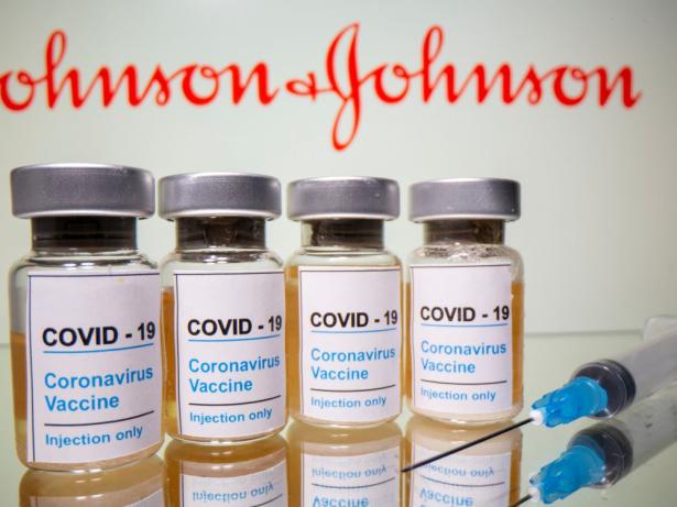 Covid-19: la campagne de vaccination lancée en Afrique du Sud
