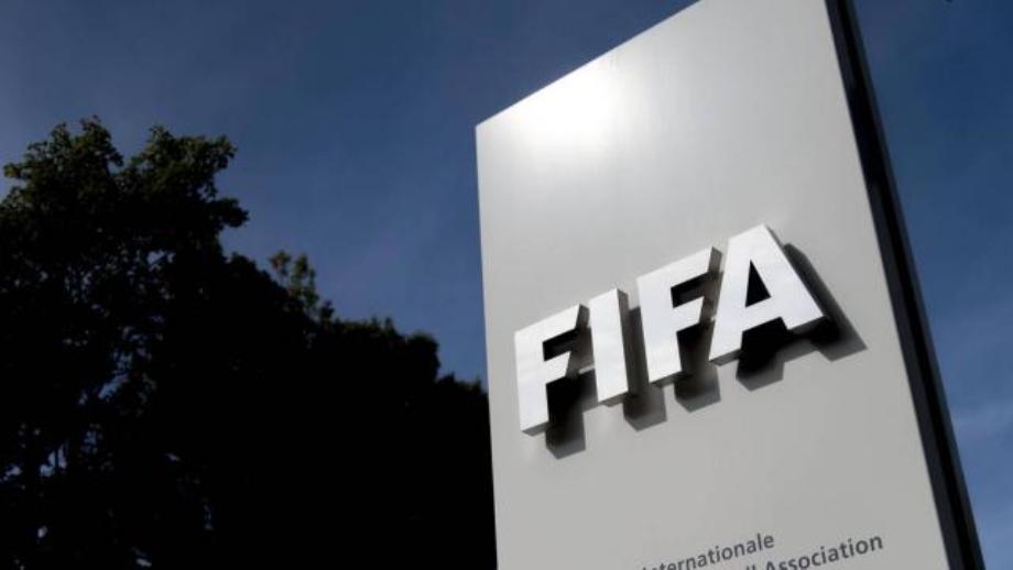 FIFA: suspension alourdie pour Blatter et Valcke