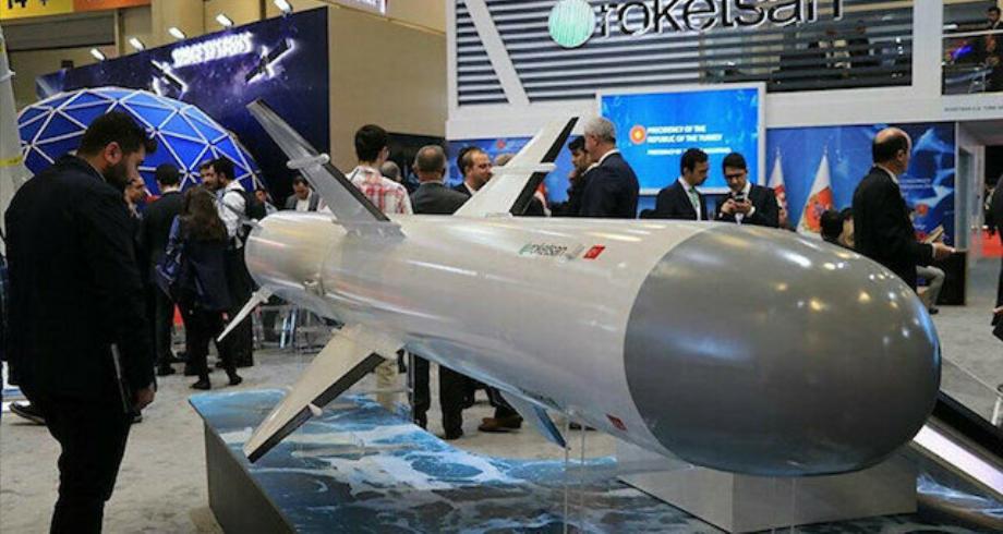 """تركيا تطلق صاروخ """"أطمجة"""" وتستغني عن صواريخ""""هاربون"""" الأمريكية"""